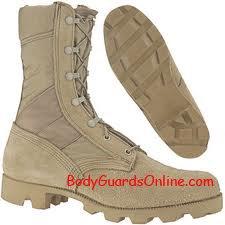 Взуття для екстремальних умов в першу чергу надійне і комфортне.