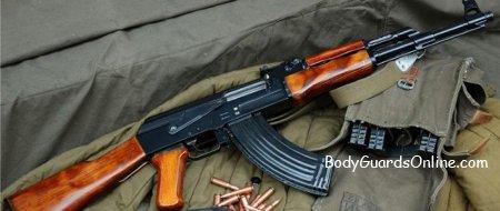 Акція: купив позашляховик - отримай АК-47 в подарунок або почому АК-47 на дикому заході
