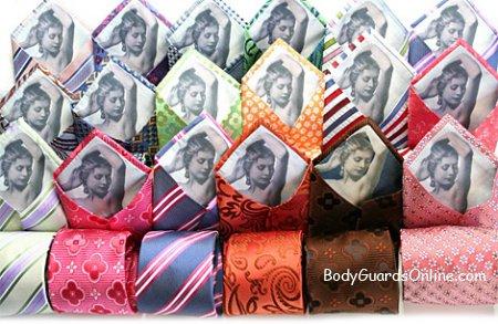 Як зав'язувати краватку, шарф і хустку. Трохи корисних відео-порад.
