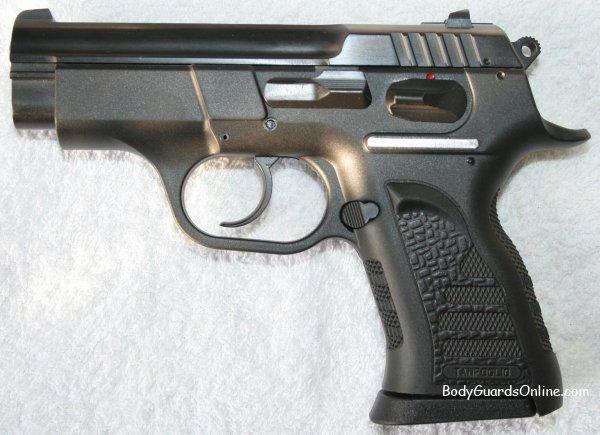 Травматична короткоствольна зброя