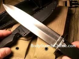 Бойові ножі: хто, як і навіщо їх конструює.