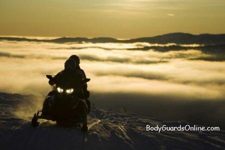 Рекомендації для любителів екстремального відпочинку на снігоходах.
