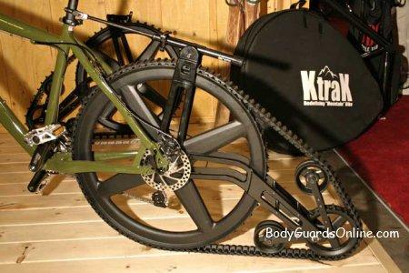 Гусеничний велосипед для зимового екстриму взимку.