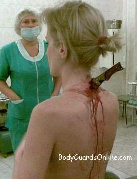 Якщо поранення холдною зброєю, -  тілоохоронець повинен боротися за життя до кінця.