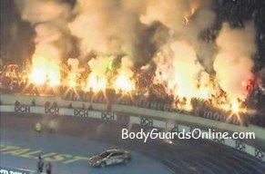 У Харкові, в останньому турі, фанати «Металіста» підпалили стадіон