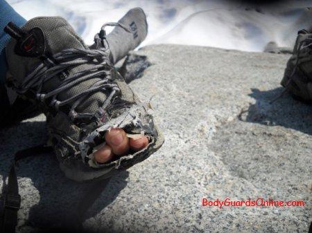 Порада у виборі похідного взуття.