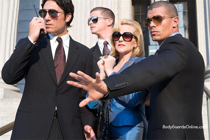 http://bodyguardsonline.com/uploads/posts/2012-03/1332011484_body_guards_protecting_a_woman_ie235-009.jpg